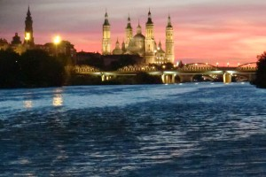 Atardecer fluvial en Zaragoza