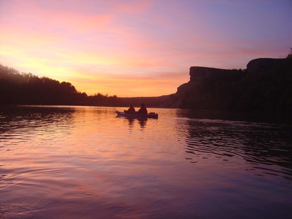 Atardecer en piragua por el Río Ebro
