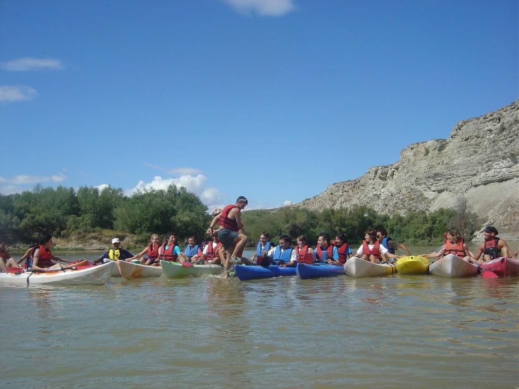 Adaptamos nuestras actividades en piragua-kayak o raft a las preferencias de cada grupo