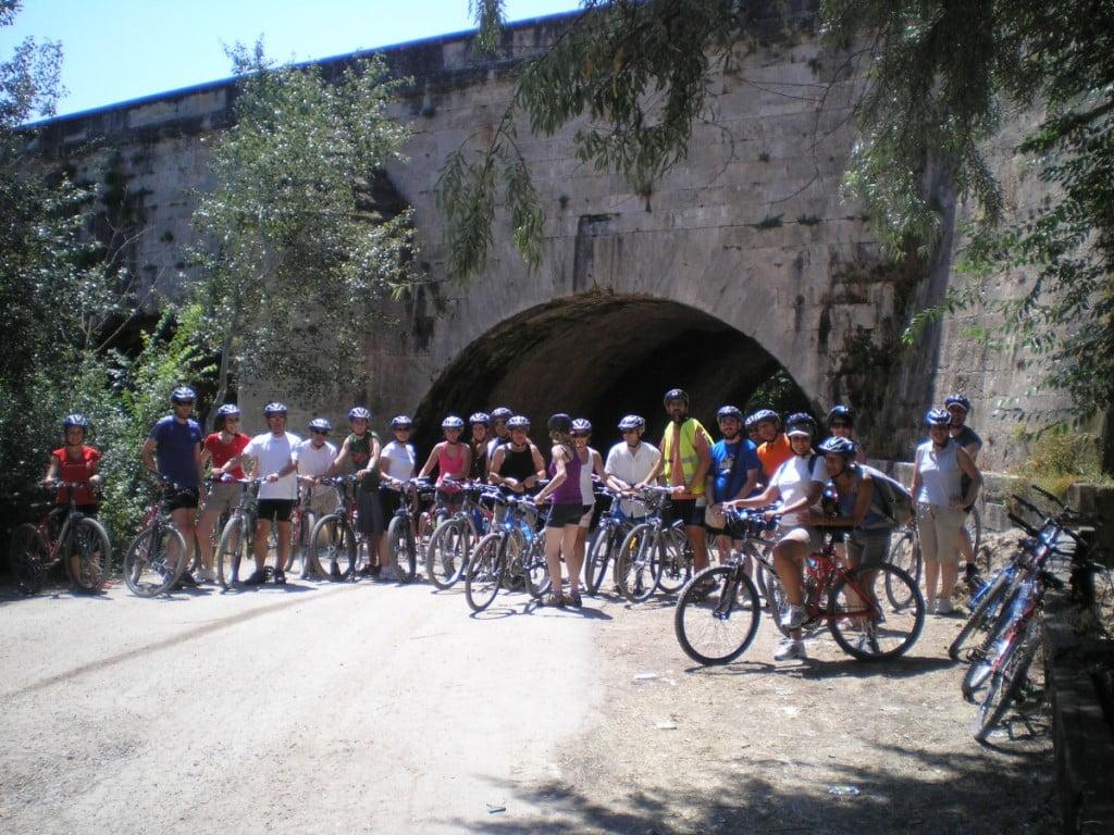 La actividad cicloturista recorre algunos de los puntos de interés turístico más representativos de la comarca